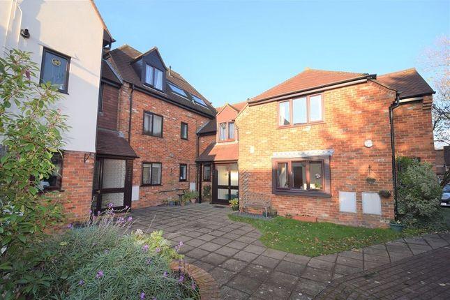 Flat to rent in Malthouse Square, Princes Risborough