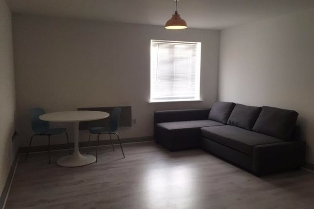 Thumbnail Flat to rent in King George Crescent, Wembley