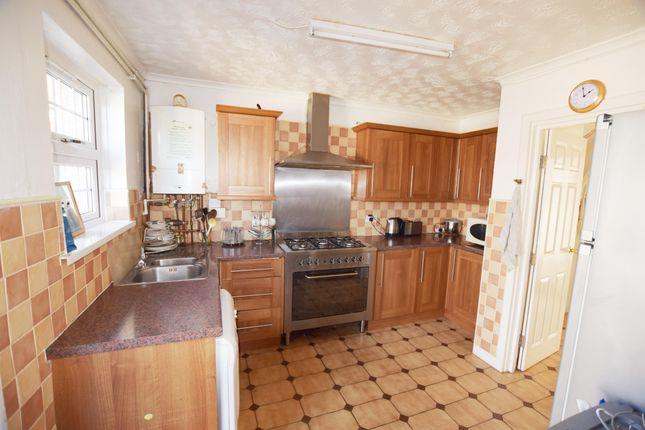 Kitchen of The Harebreaks, Watford WD24