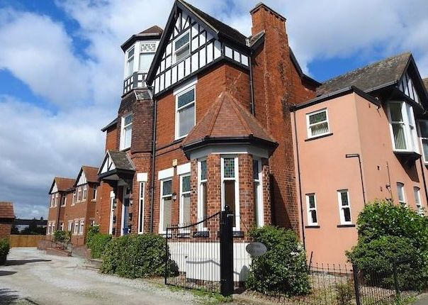 1 bed flat for sale in Hurley Close, Hull, Yorkshire HU8