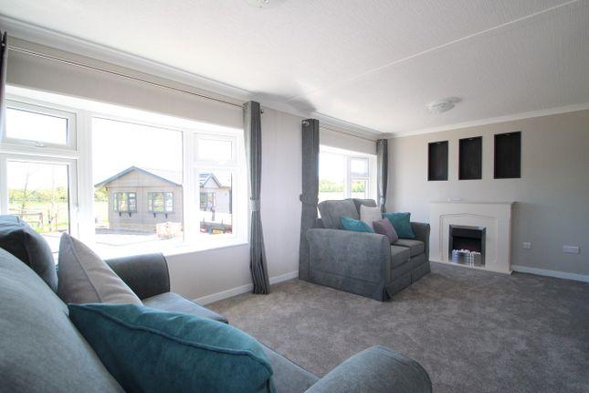 Lounge of The Heath, Bucklesham, Ipswich IP10