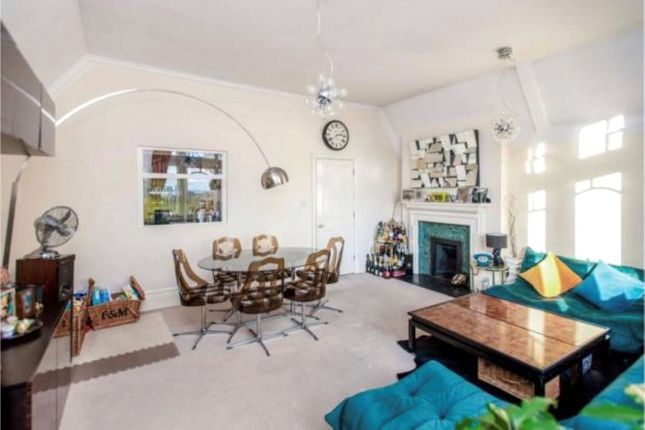 1 bed flat for sale in Ruddock Close, Edgware, Middlesex HA8