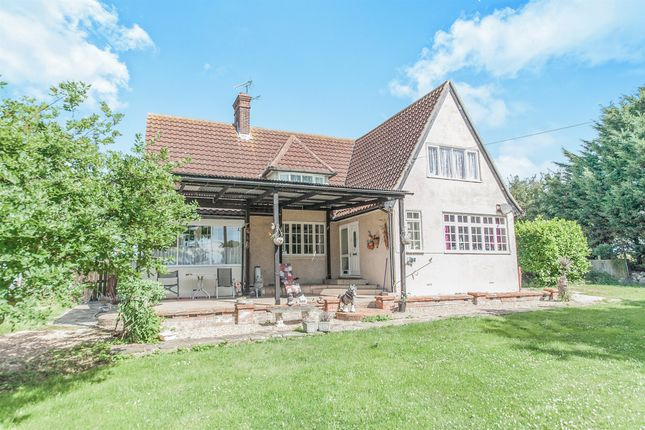 Thumbnail Detached house for sale in Harwich Road, Great Oakley, Harwich