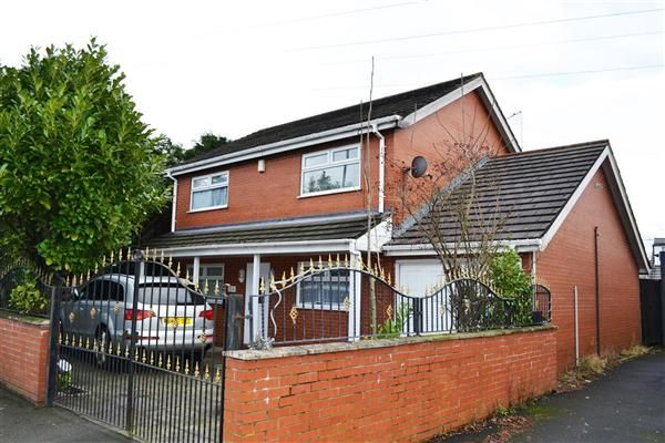 Thumbnail Detached house to rent in Warrington Road, Leigh