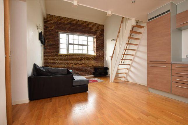 Thumbnail Flat to rent in Elvet Avenue, Gidea Park, Romford