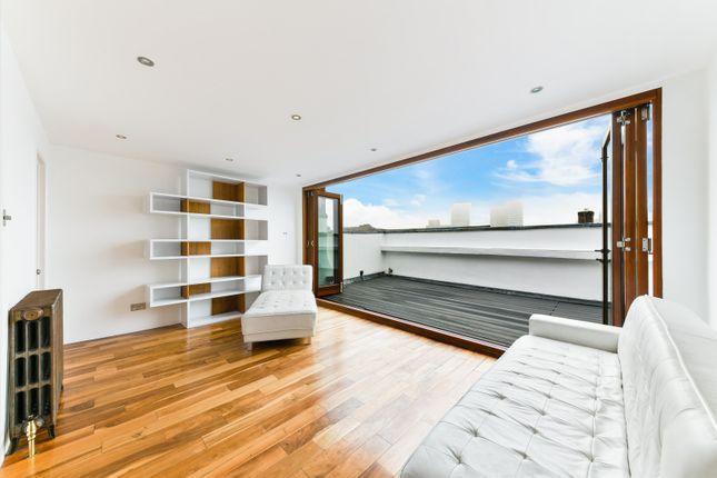 Thumbnail Maisonette to rent in Noel Road, Islington, London