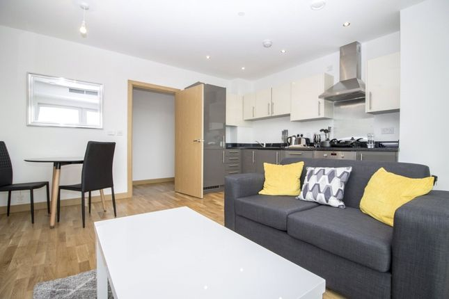 1 bed flat to rent in River Heights, Stratford Riverside, Stratford, London E15