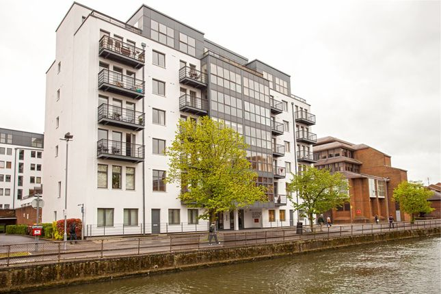 Thumbnail Flat to rent in Queens Wharf, 47 Queens Road, Reading, Berkshire