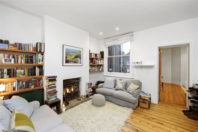 Thumbnail Flat to rent in College Place, London