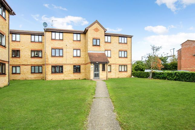 1 bed flat for sale in Lowestoft Drive, Burnham, Slough SL1