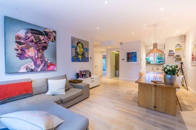 2 bed flat for sale in Montagu Square, Marylebone