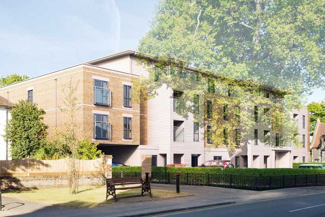 Thumbnail Flat for sale in Queens Road, Weybridge