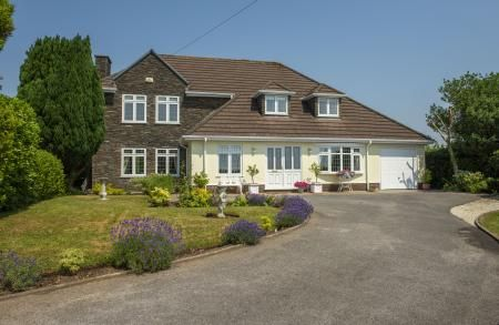 Thumbnail Property for sale in Dunvant Road, Three Crosses, Swansea