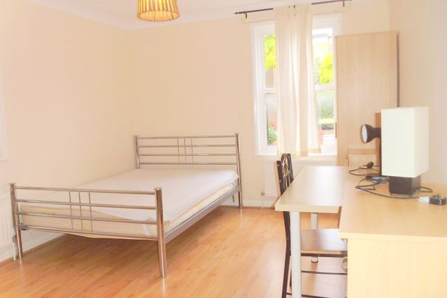 Thumbnail Semi-detached house to rent in Lockesfield Place, London/ Island Gardens