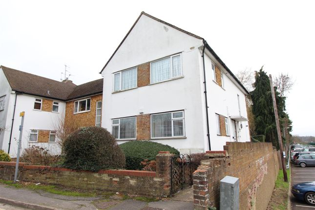 Thumbnail Maisonette to rent in Station Close, Brookmans Park, Hatfield