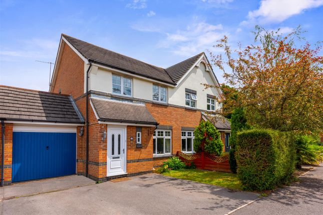 3 bed semi-detached house for sale in Cloverfields, Horley RH6