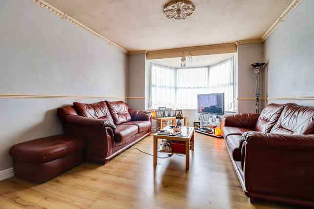 Lounge of Norfolk Avenue, Leigh-On-Sea SS9
