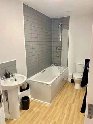 Bathroom of Charles Street, Leicester LE1