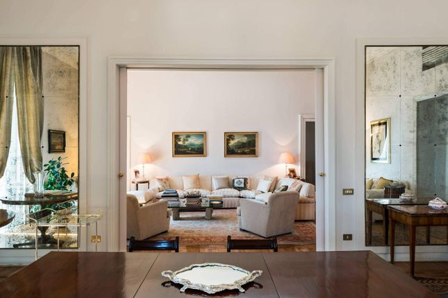 Thumbnail Apartment for sale in Via Del Rione Sirignano, 80121 Naples Na, Italy