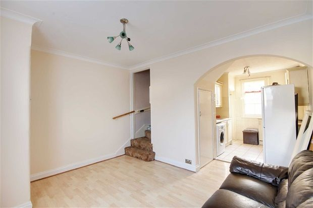 Thumbnail Property for sale in Bedwell Road, London