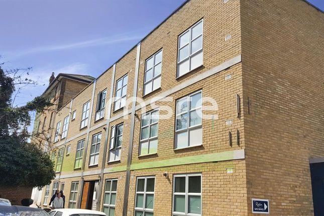 Thumbnail Flat to rent in Elizabeth Mews, Kay Street, Shoreditch