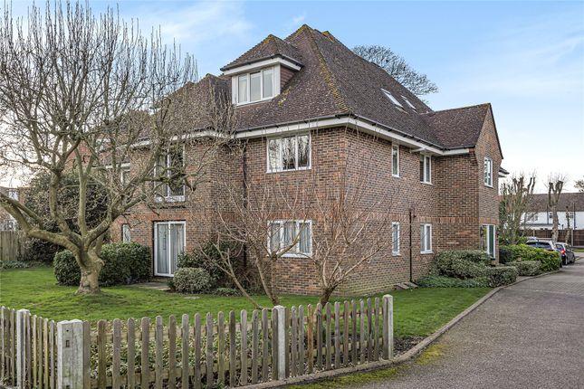 Picture No. 04 of Fernhill Place, 320 Tubbenden Lane South, Farnborough Village, Kent BR6