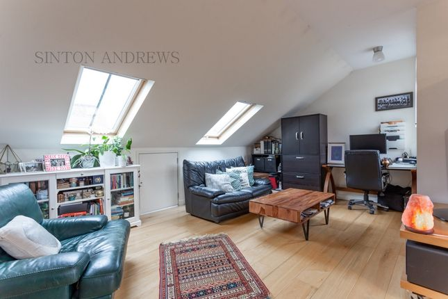 Photo 4 of Mount Park Road, Ealing W5