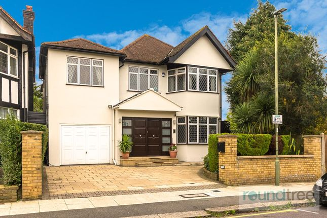 Thumbnail Property for sale in Edgeworth Crescent, Hendon