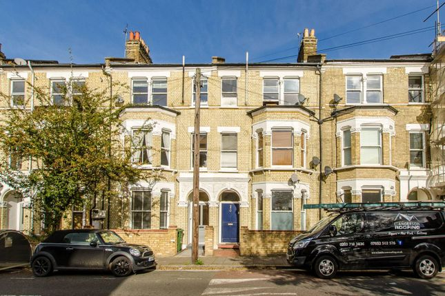 2 bed flat for sale in Sandmere Road, Clapham North