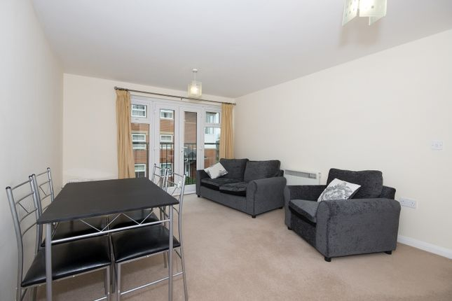 Flat to rent in Alma Road, Banbury