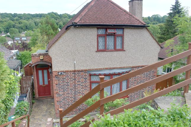Thumbnail Detached house to rent in Valley Road, Kenley
