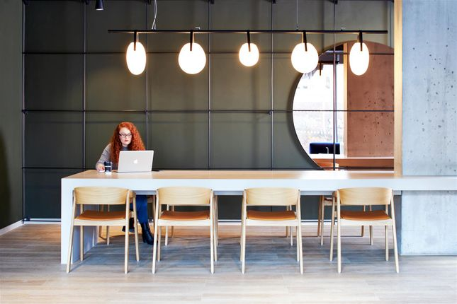 Co-Working Tables (7)