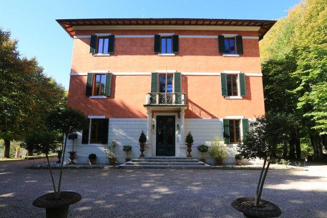 Facade 2 of Villa Prosperini, Calzolaro, Citta di Castello, Umbria