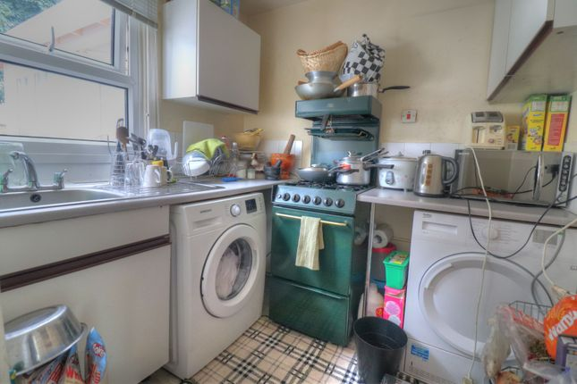 Kitchen of Bondman Close, Leicester LE4
