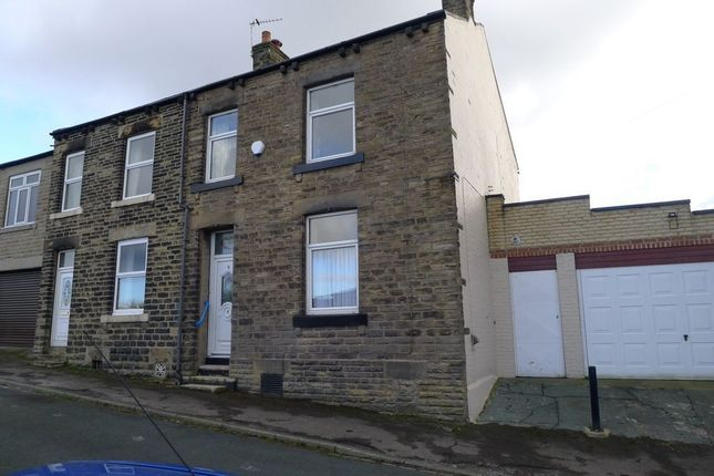 3 bed semi-detached house to rent in Earl Street, Dewsbury WF12