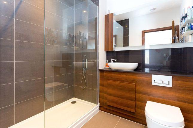 Bathroom of Gooch House, 2 Telcon Way, Greenwich, London SE10