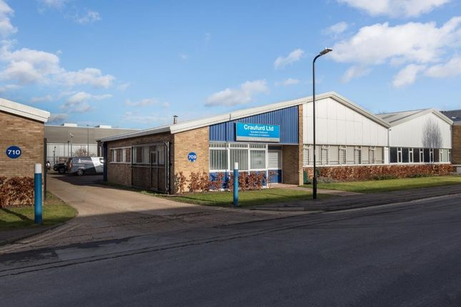Industrial to let in 709 Banbury Avenue, Slough Trading Estate