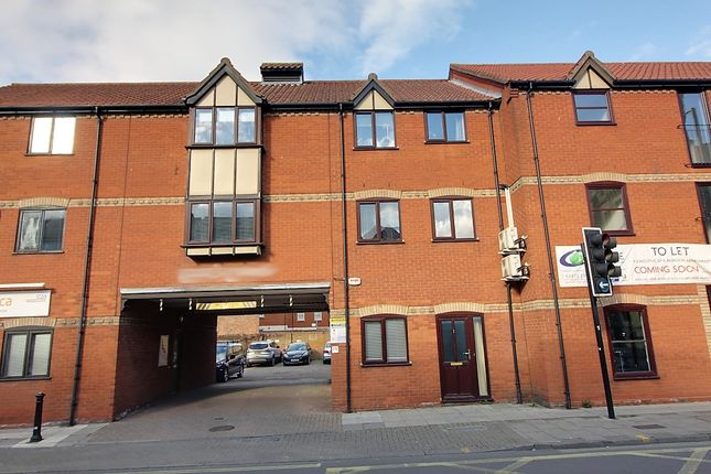 Thumbnail 1 bed flat to rent in St Helens Street, Ipswich