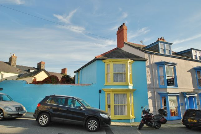 Thumbnail Semi-detached house to rent in Sea View Place, Aberystwyth