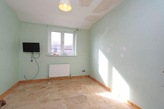 Bedroom 3 of Loriner Place, Downs Barn, Milton Keynes MK14
