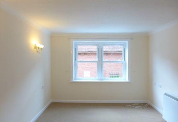 Thumbnail Flat to rent in Homespire House, Knotts Lane, Canterbury, Kent