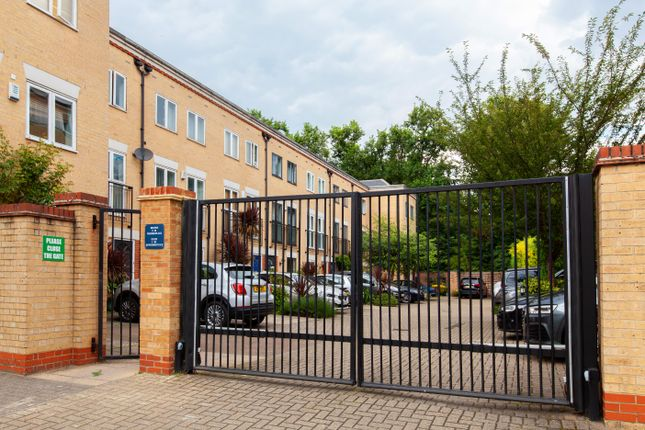 3 bed detached house for sale in Wilmer Place, London N16