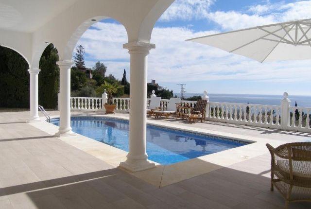 1 Villa And Views (5)