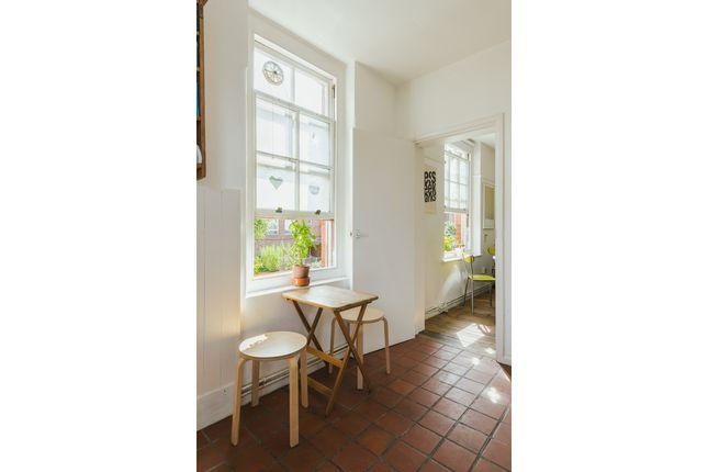 Sunbury House, Swanfield Street, London E2  (14)