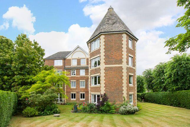 Flat for sale in Homewalk House, Sydenham, London