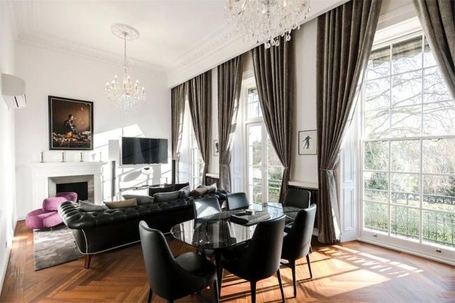 4 bed flat for sale in Hyde Park Gardens, London