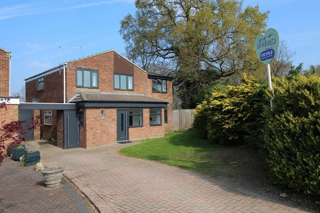 Thumbnail Link-detached house for sale in Warren Rise, Frimley