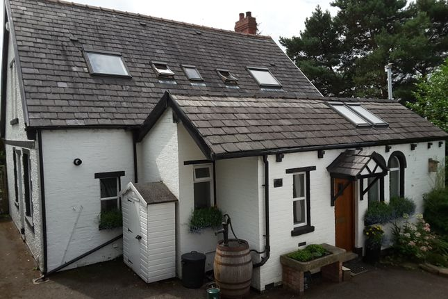 Thumbnail Detached house for sale in Tall Trees, Thorp, Royton