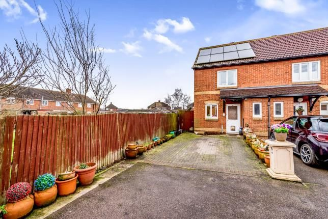 2 bed end terrace house for sale in Deacon Mews, Marston Moretaine, Bedford, Bedfordshire