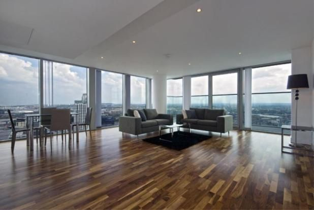 Thumbnail Flat to rent in Landmark East Tower, 24 Marsh Wall, London, Gb